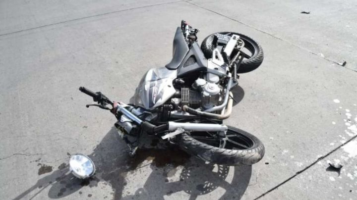 Terrible accidente termino con un motociclista internado